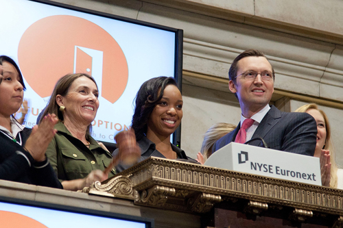 FUTURES AND OPTIONS RINGS THE NYSE CLOSING BELL